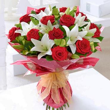 Ramo de Rosas y Lilis